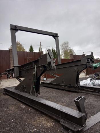 Опрокидыватель контейнеров A-WARD