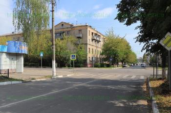 Перекрёсток улиц Николаева и Радио