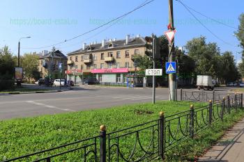 Перекресток улиц Николаева и Корешкова