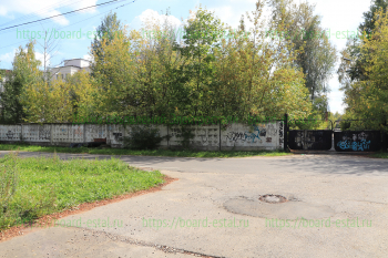 Ограда со стороны Больничного проезда