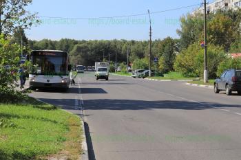 Автобус №4 на улице Ялагина
