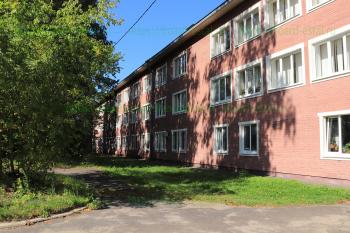 Поликлиника ЦМСЧ 21 на улице Корнеева