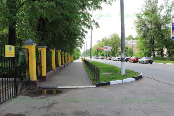 Въезд в медицинский колледж. Советская, 32