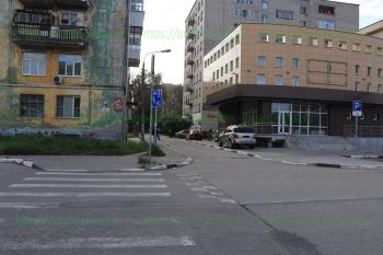 Новострой на перекрестке улиц Первомайской и Маяковского