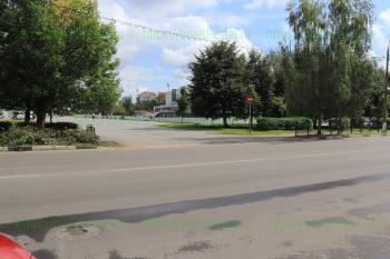 Выход на площадь перед дворцом спорта «Кристалл»