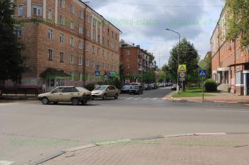 Перекрёсток улиц Мира и Радио