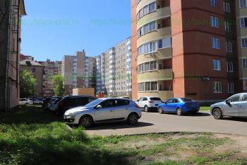 Двор дома №45/1 и №3 по Захарченко