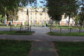 Пешеходный переход на улице Пушкина перед школой
