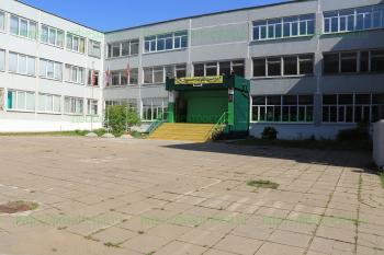 Вход в школу №5, Ялагина, дом 22А